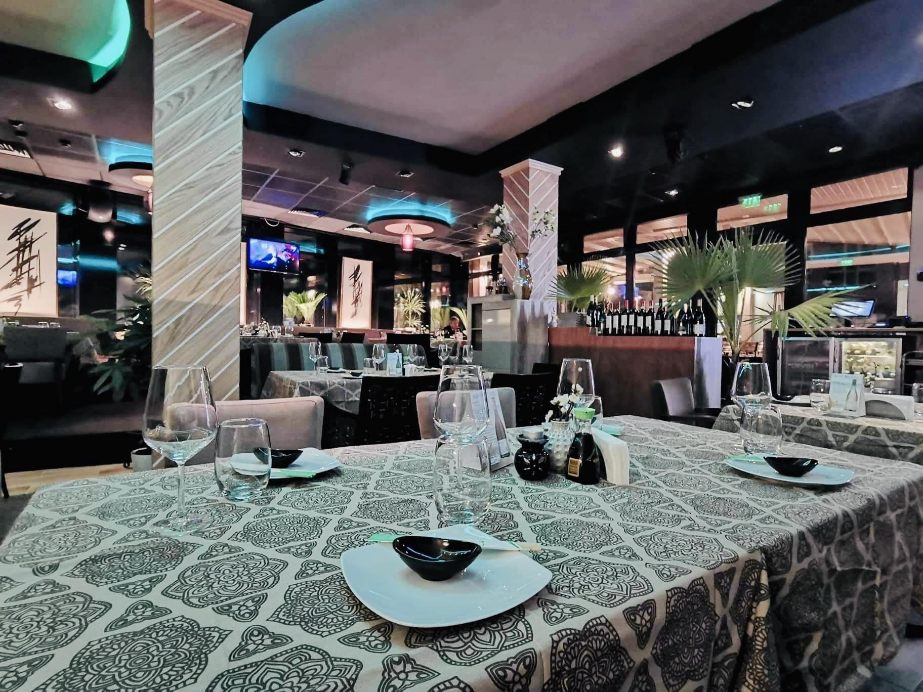 Golqma masa s restorant Ivan Vazov